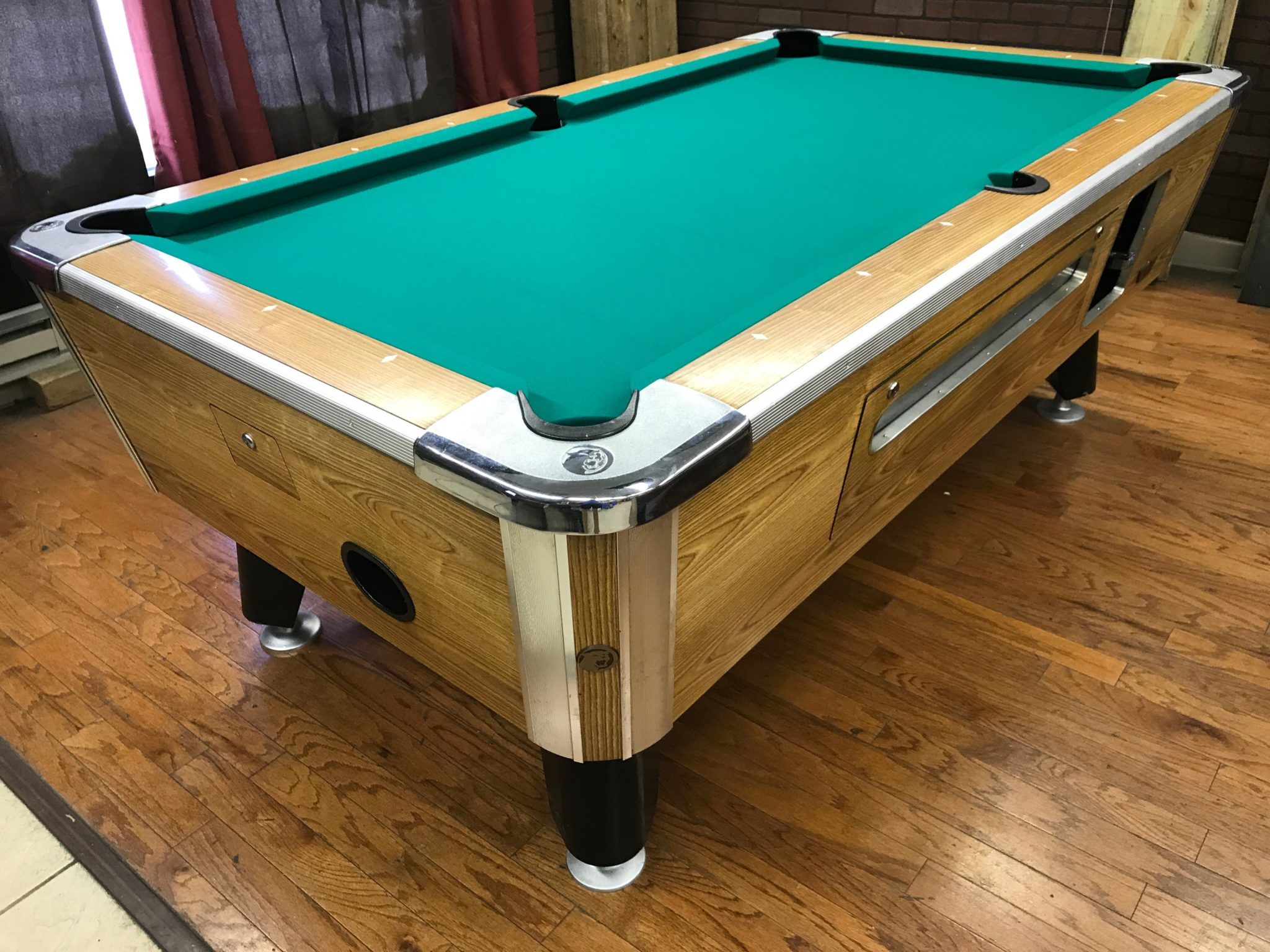 Table 060117 Valley Used Coin Operated Pool Table Used