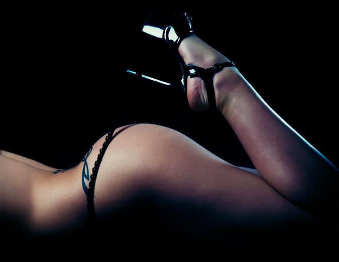 Higt Contrast Nude Photography of Natosha