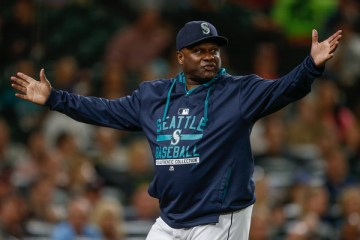 Lloyd+McClendon+Texas+Rangers+v+Seattle+Mariners+m99yjkkdTmul