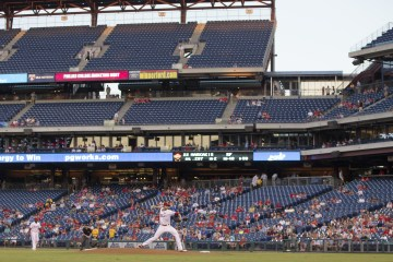 mc-attendance-woes-for-phillies-reaching-record-lows-at-citizens-bank-park-20150910