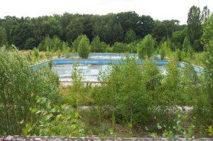 Resztki bliźniaczych basenów