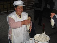 Verkoop van warme Ponche in Huancayo