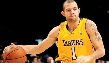Jordan Farmar con la maglia dei Lakers. Con i gialloviola ha vinto due titoli.
