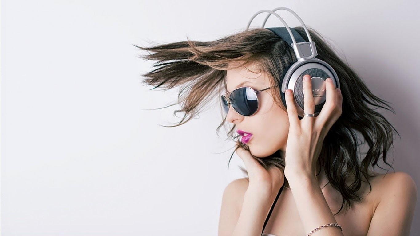 Anime Girls Headphones And Radio 1920x1080 Wallpaper The 10 Best Over Ear Bluetooth Headphones 2019 Bass Head