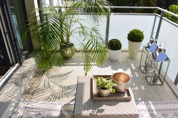 Kleinen Balkon gestalten ▷ Ideen zur Verschönerung - bauende - mini balkon gestalten