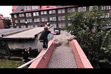 Video thumbnail for youtube video Tomek Pryzbylik: Hedonskate Team 2014 - Be-Mag