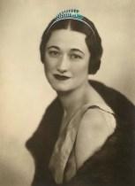 cartier-expo-portrait-de-wallis-simpson-sur-lequel-a-25C3-25A9t-25C3-25A9-peint-un-projet-de-diad-25C3-25A8me-photo-Dorothy-Wilding-1935