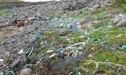 Plastic & rubbish washed up on beach