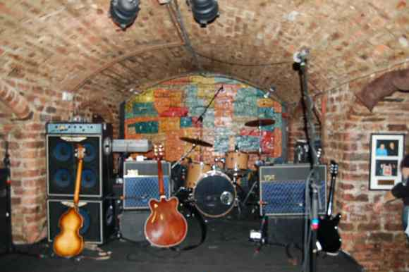 2010_cavern-club-liverpool_02