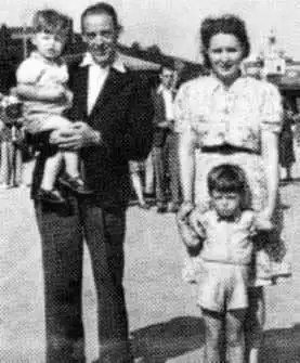 Paul McCartney and his family, 1940s