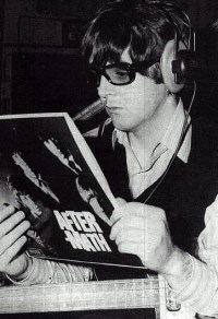 File:Mccartney-specs 2.jpg