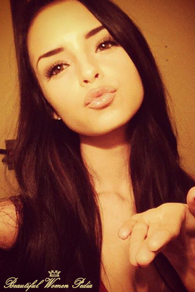 Wallpaper Of Beautiful Chinese Girl Demi Rose Mawby Pictures