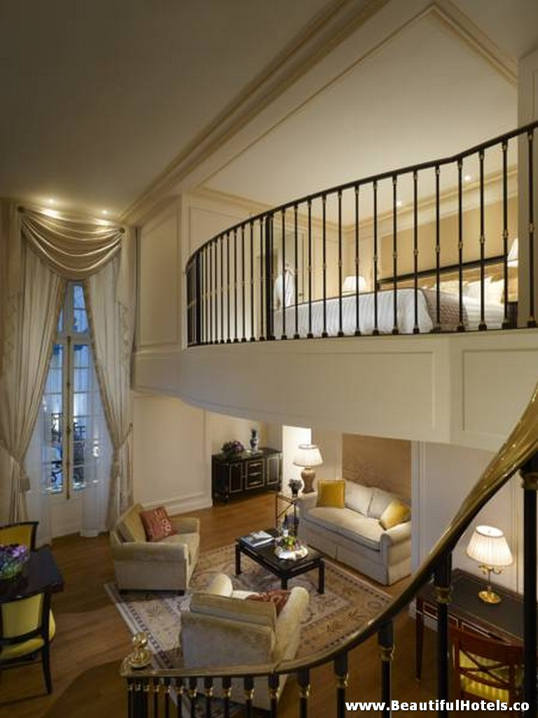 Shangri la hotel paris france beautiful hotels for Beautiful hotels