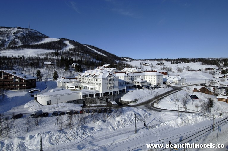 top-10-halloween-hotels-dr-holms-geilo-norway-hotel-picture