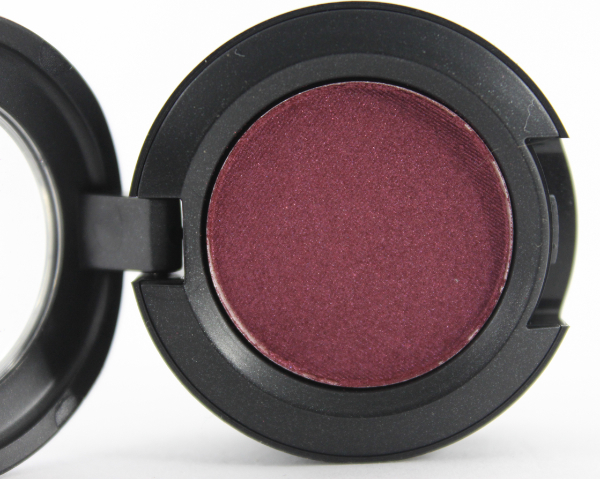 mac crimson tryst eyeshadow 2 MAC Nudes & Metallics Swatches