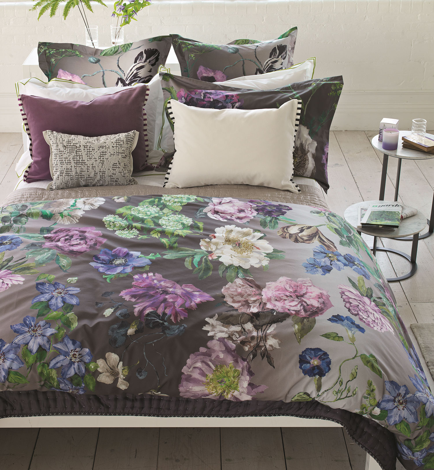 Black Plaid Wallpaper Alexandria Amethyst By Designers Guild Bedding By