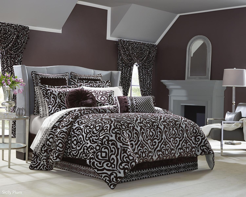 Silver Animal Print Wallpaper Sicily Plum By J Queen New York Beddingsuperstore Com