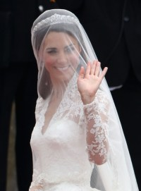 Pictures of Wedding Hairstyles Veil And Tiara