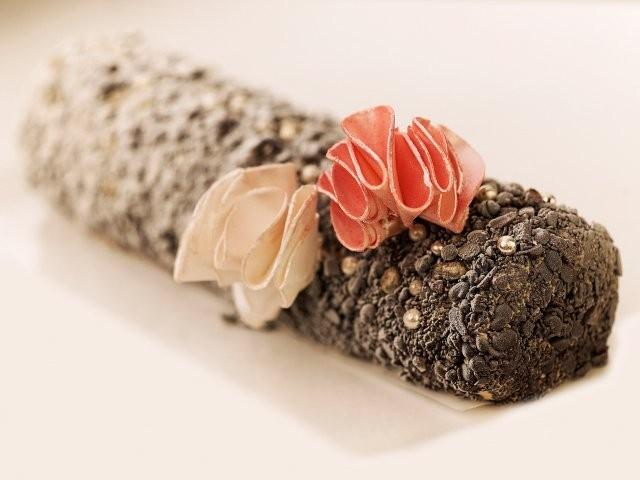 Haute Couture Buche de Noel by Tony Ward