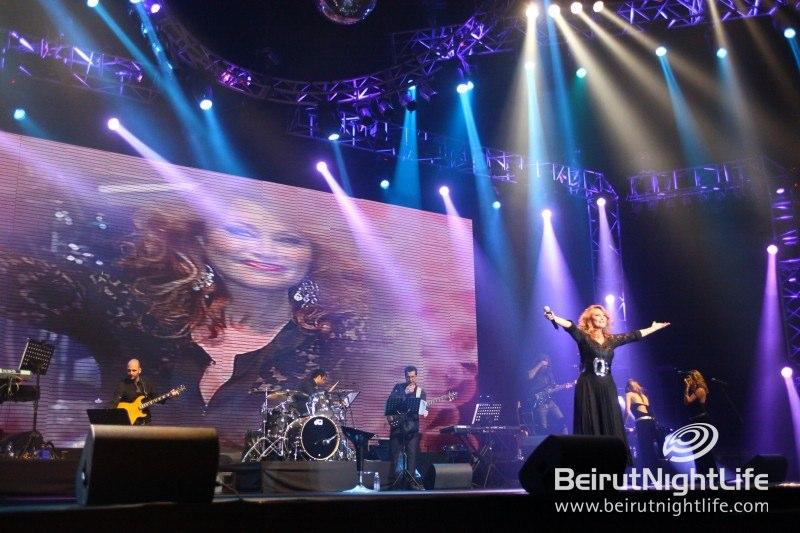 A Truly Epic Concert Event! Les Annèes Bonheur
