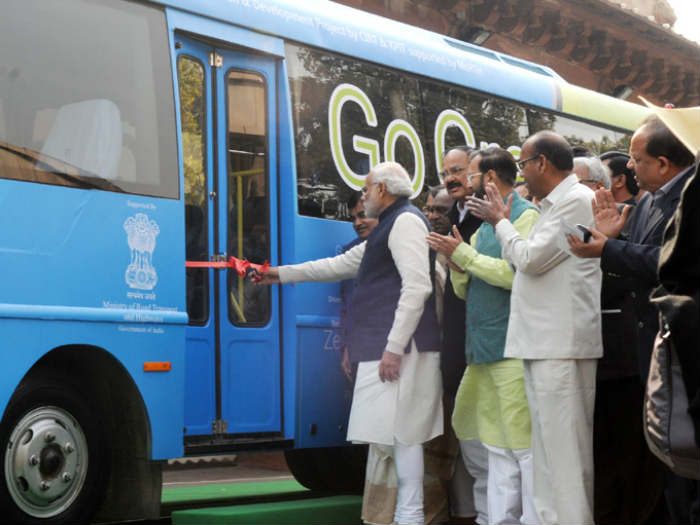 PM Modi Flags off the First Electric Bus in India