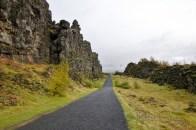 Þingvellir path between 2 tectonic plates