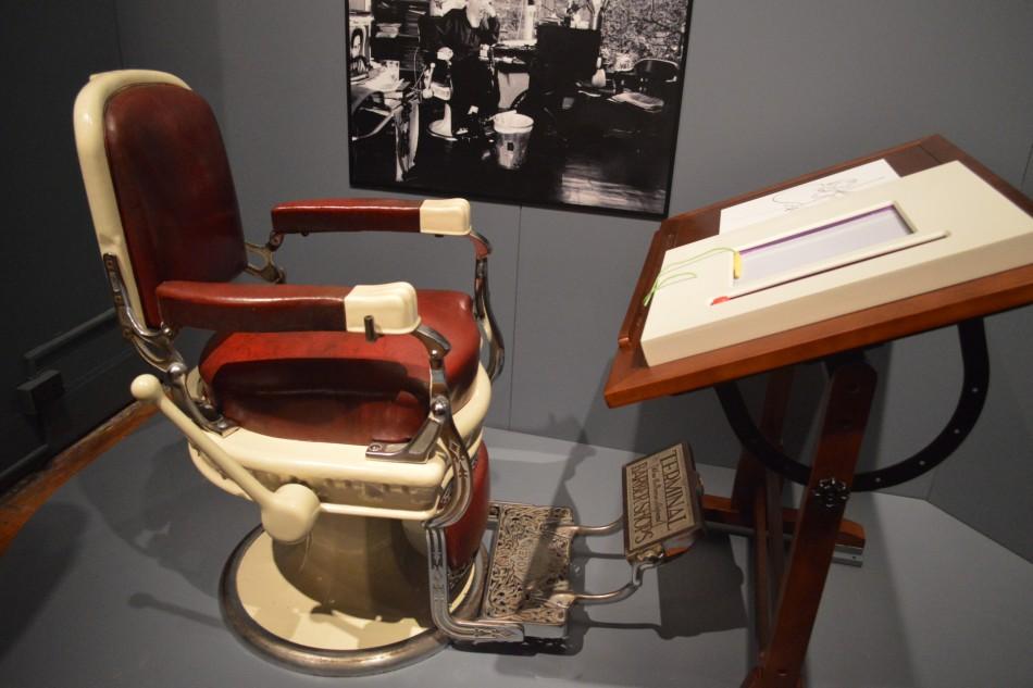 Nyc Exhibition Reviews Al Hirschfeld And Lynda Barry Oh