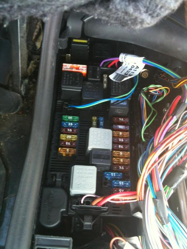 W219 All fuse and relay assignments - Mercedes-Benz Forum