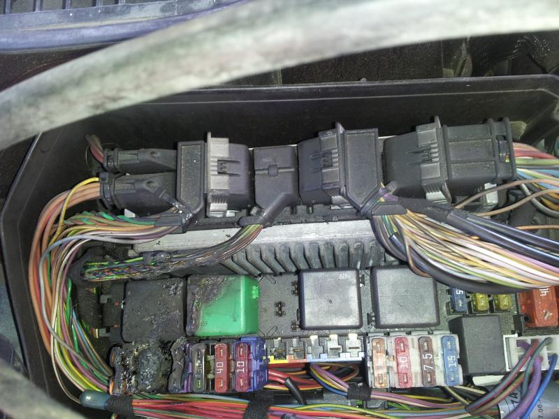 FUSE BOX BURNED OUT w220 s500 \u003d( - Mercedes-Benz Forum