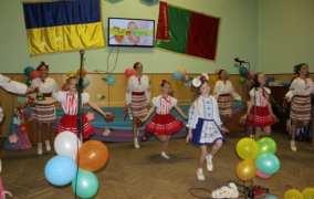 Бердичівська райдержадміністрація на дві години перетворилася в Країну дитячих мрій