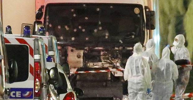 Mohamed Bouhlel Pelaku Serangan Truk Di Prancis