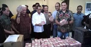 Hasil OTT TPK Komura Berhasil Mengamankan Uang Tunai 6,1 Miliar