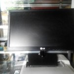 Monitor LED LG 19 Inchi Sekond Normal