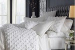 How to layer pillows on a bed 2
