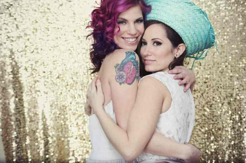 bradshaw lesbian singles Gaydar is one of the top dating sites for gay and bisexual men millions of guys like you, looking for friendships, dating and relationships share your interests and.