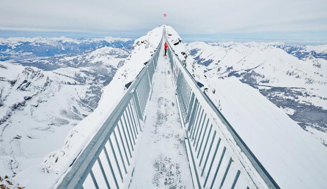 Peak-Walk-Glacier-3000-Suisse