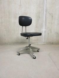 Vintage industrial desk chair, bureaustoel industrieel ...