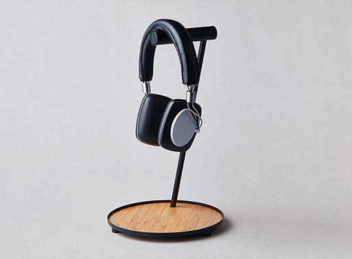 Tilt Bamboo Earphone Stand