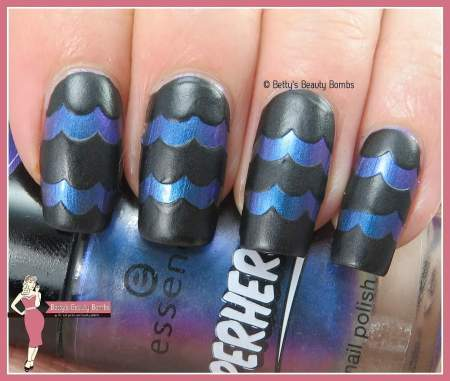 black-and-duochrome-nail-art