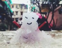 Guangzhou Begins Snowman Manufacturing