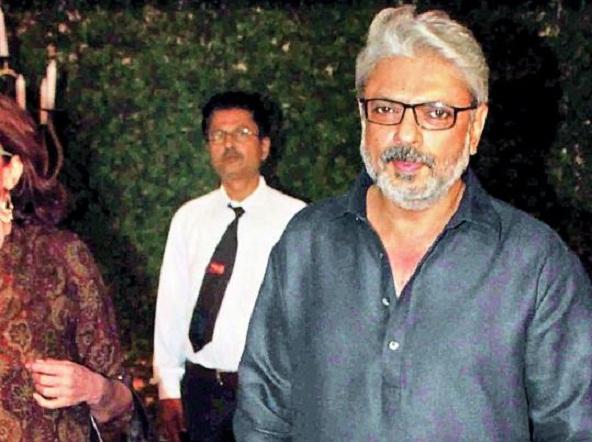 हिन्दू उग्रवादी होता तो बॉलीवुड में फिल्में नहीं बनती- डॉ. संतोष राय