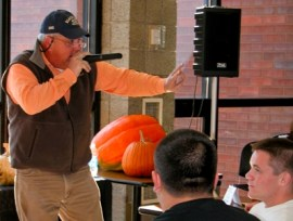 Pumpkin auction 2012-2 (web)