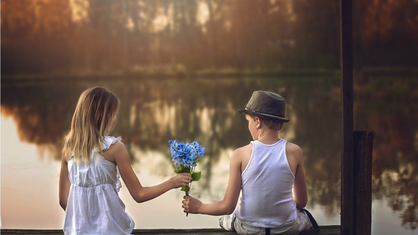 Boy Girl Wallpapers Desktop Boy Gives A Girl A Bouquet Of Flowers Wallpapers