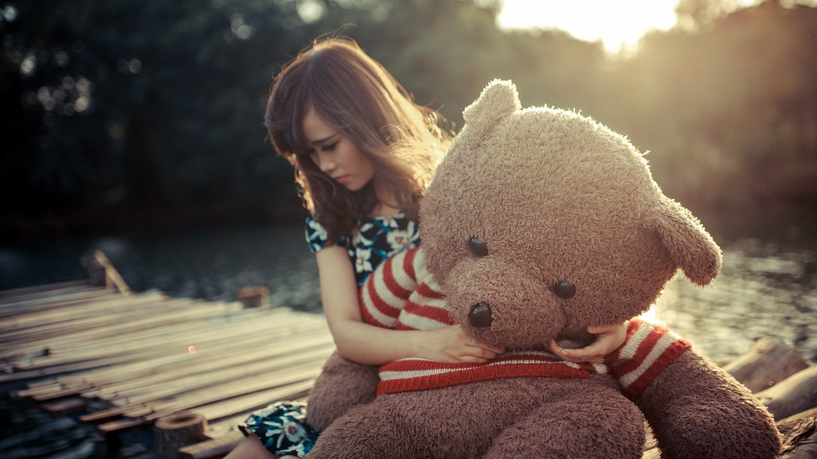 Sad Alone Girl Hd Wallpaper Download Sad Girl Hug Teddy Bear Wallpapers 1600x900 420383
