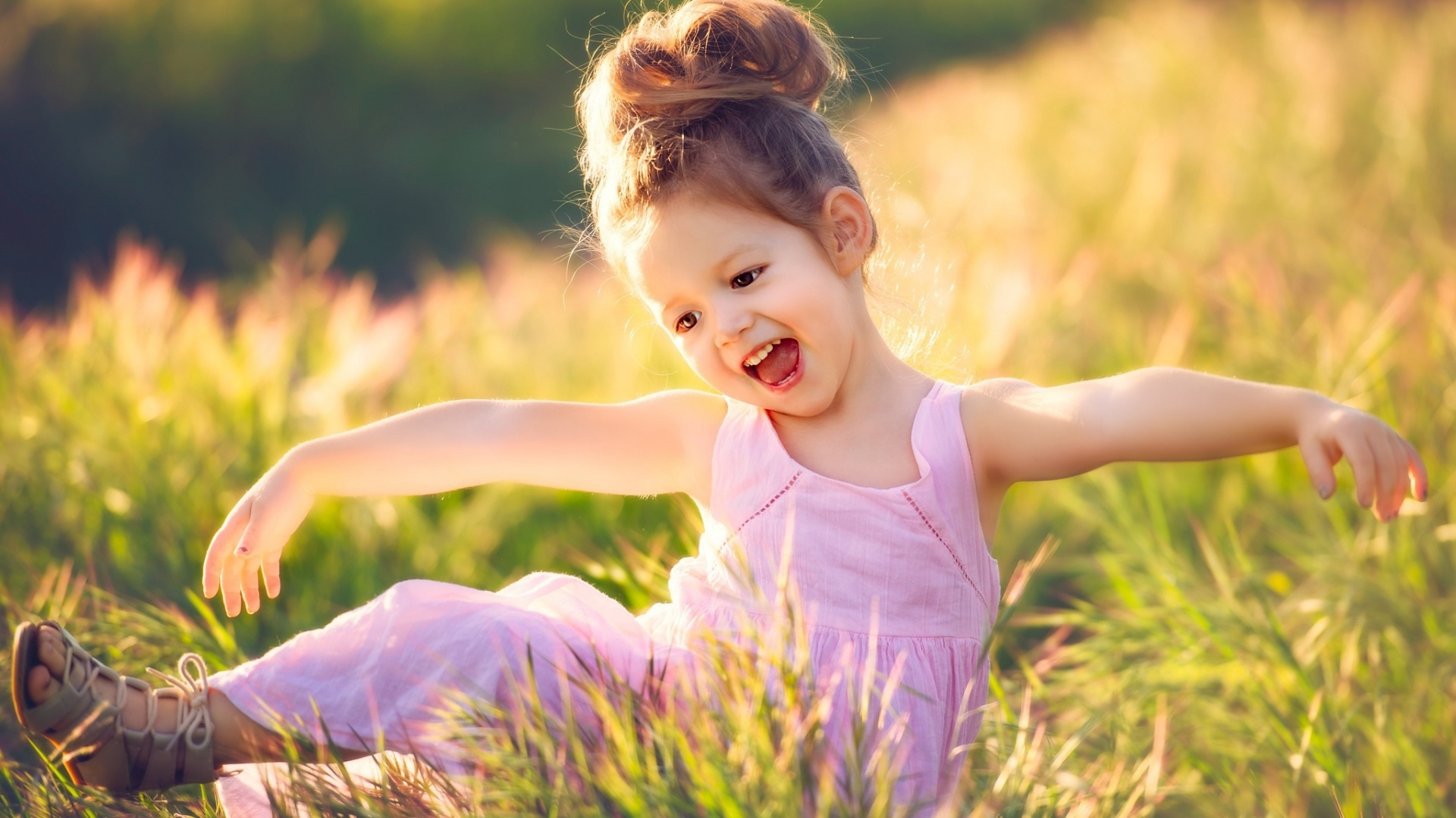 Free Download Of Love Wallpapers With Quotes Happy Girl In Meadow Wallpapers 1920x1080 458247