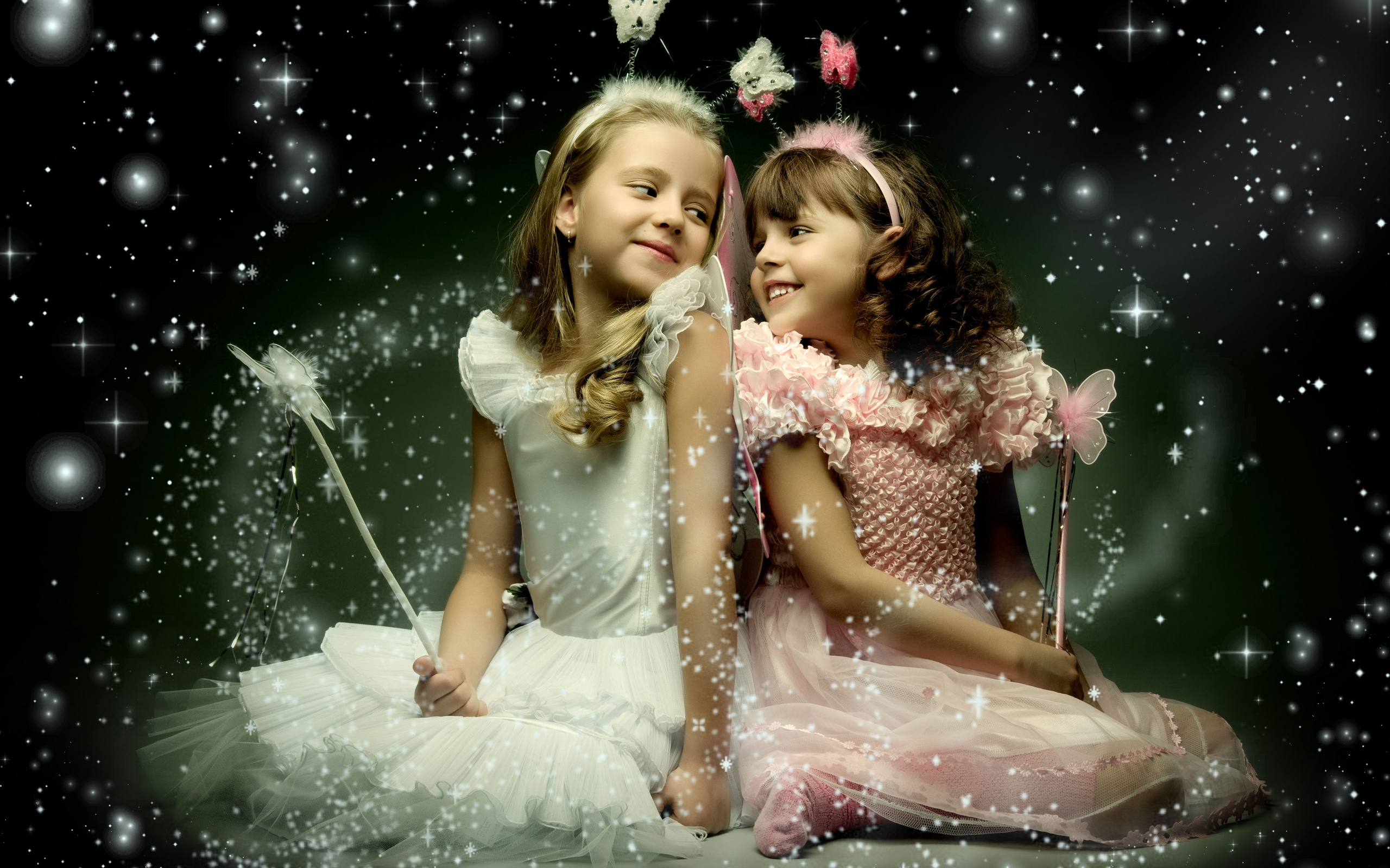 Very Cute Baby Twins Wallpaper Two Beautiful Little Girl With Wings Wallpapers