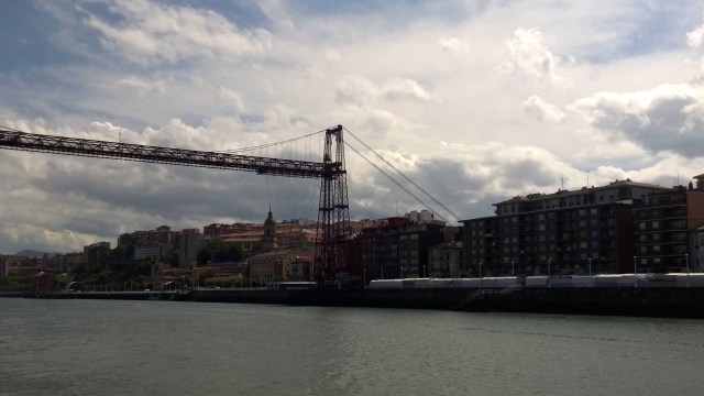 Photograph of bridge in Bilbao.