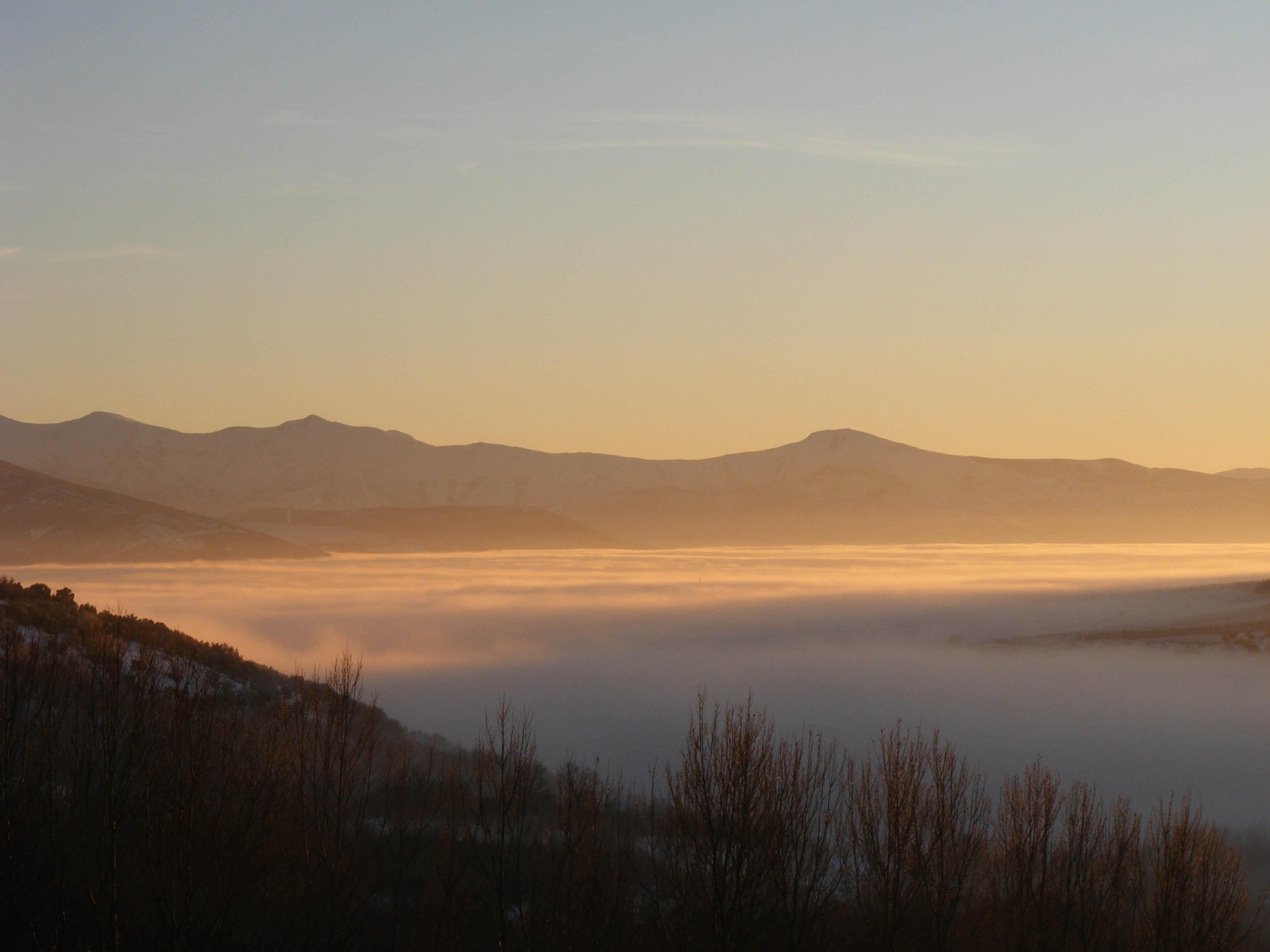 Valle del Boeza en niebla