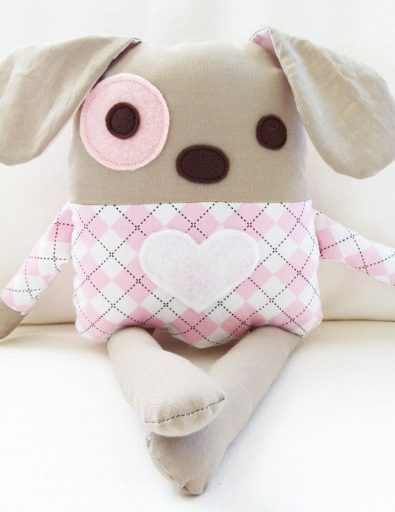 Sew A Cute Puppy Pillow Softie : 37 Homemade Dog Toys Made by DIY Pet Owners - Big DIY IDeas