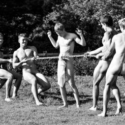 naked-rowers-2014-pic4